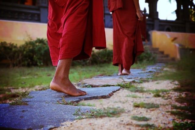 moines bouddhistes au Sri Lanka (Ceylan) en Asie