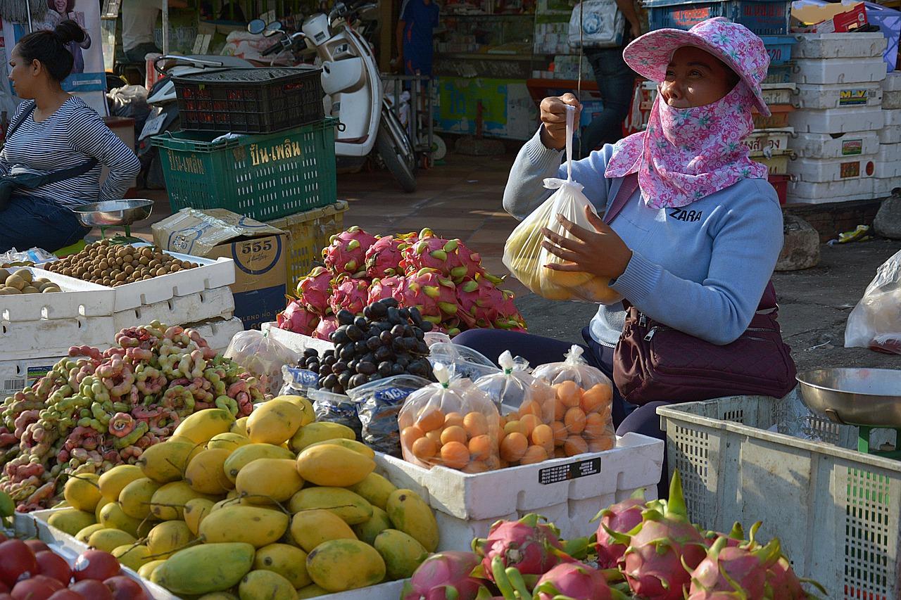 Marché à Phnom Penh au Cambodge (Asie)