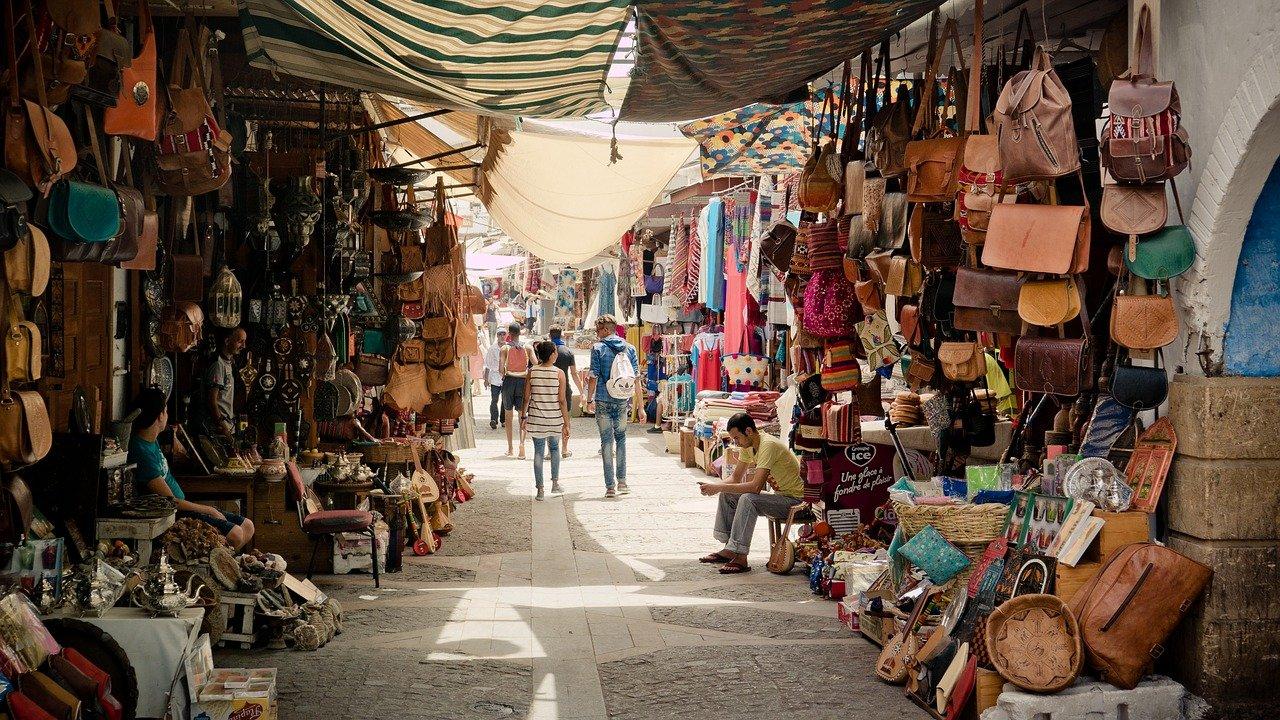visite du souk au Maroc (Afrique)